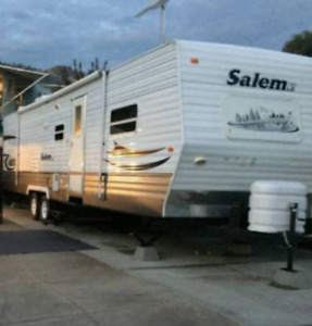 31.5 Foot Salem RV Trailer, with 2 large bedrooms and 2 slideout