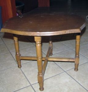 Petite table originale
