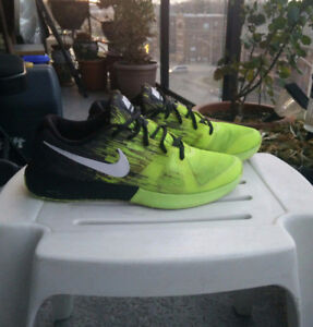 ★NIKE ZOOM ELECTRIC BLACK GREEN★GREAT CONDITION-CLEAN-SIZE 9★