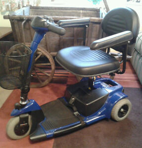 Scooter 3 wheel GoGo compact