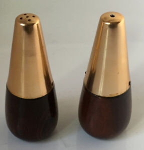 Mid century modern salt and pepper shakers.