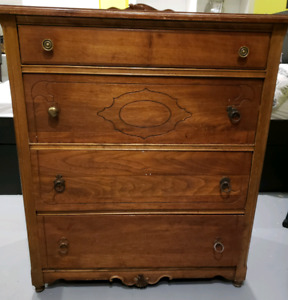 4 drawer antique wooden dresser