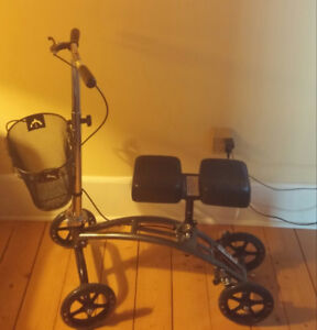 Knee Scooter with hand brake.
