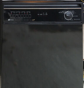 SELLING Great Condition Dishwasher