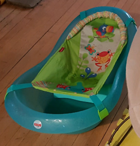 Infant Tub w/ sling (for when they are brand brand new)