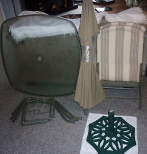 5 Piece Patio set Table Chairs umbrella & Stand