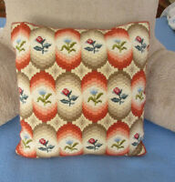 Hand Stitched Pillow / Coussin - Needlepoint & Florentine Styles