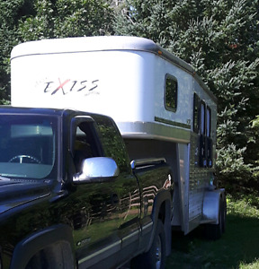 2007 all aluminum 3 horse goose neck  trailer for sale