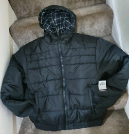 Brandnew Mens Black puffer Jacket with tags size L cheap sale gift him