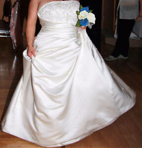 Wedding dress for the larger woman