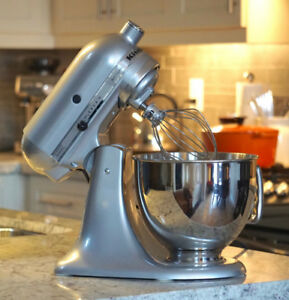 "KitchenAid ""Artisan"" Stand Mixer"