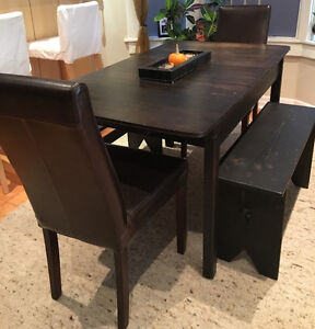 5 Piece Dining Set - seats 4 to 6 people