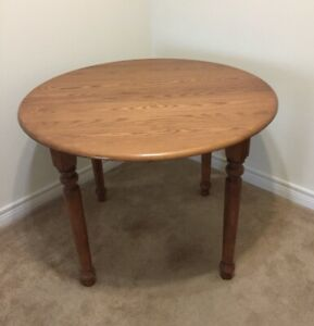 MUST SELL - Beautiful Solid Maple Dining Room Table