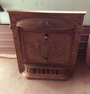Antique fireplace insert with detachable summer cover