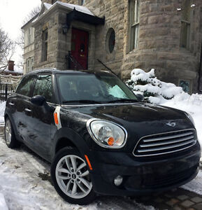 2013 MINI Cooper Countryman Sedan