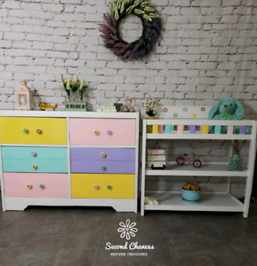 Child's Dresser and Matching Change Table