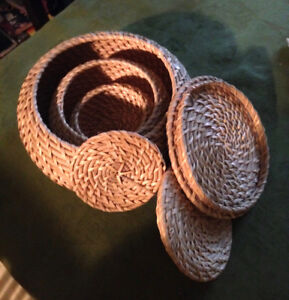 Hand Woven Seagrass Nesting Baskets with Lid. - NEW