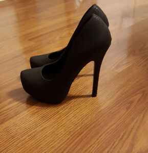 Brand New! Club Couture Heel