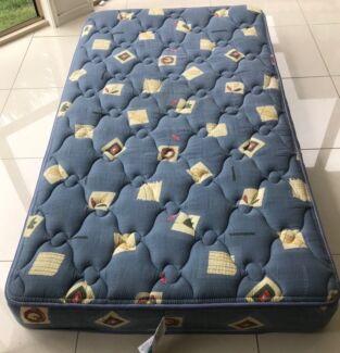 SleepMaker King Single Mattress - Free Delivery