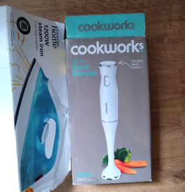 Steam Iron 1200 W & Cookworks Hand Blender