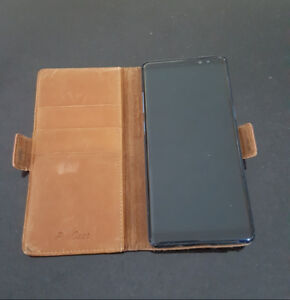 Samsung Note 8 includes leather case