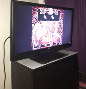RCA 40 inch tv good working order MUST PICK UP.