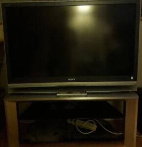 Televiseurs a vendre avec meuble