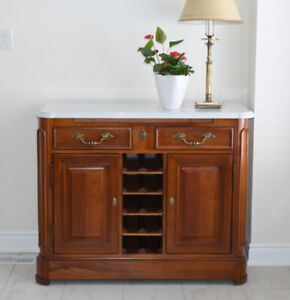 Buffet / Sideboard by Stanley Furniture