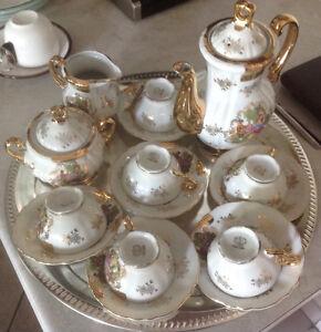 Petit Service a café en porcelaine
