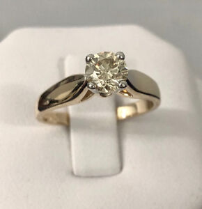 14k gold .68ct. diamond engagement ring *Appraised @ $3,800