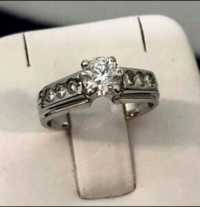 14K White Gold Custom Crafted Diamond Engagement Ring > Stunning