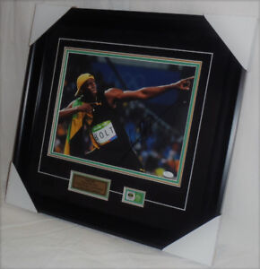 "Signed &Framed 11x14 w/ COA ""World's Fastest Man"" Usian Bolt"