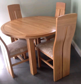 Oak furniture land extending table and 4 chairs