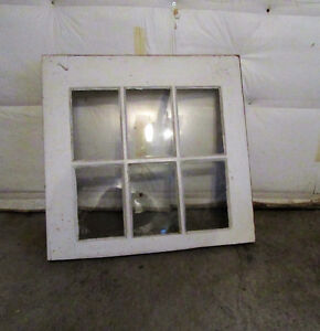 ANTIQUE WINDOW FRAME FOR MIRROR West Island Greater Montréal image 2