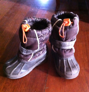 Toddler's Size 7 Insolated Winter Boots