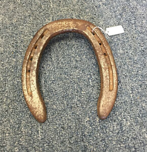 VINTAGE METAL HORSESHOES GOOD LUCK HOME DECOR
