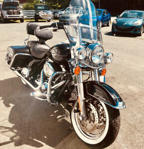 2009 Harley Davidson Road King Classic - Gleaming with Value