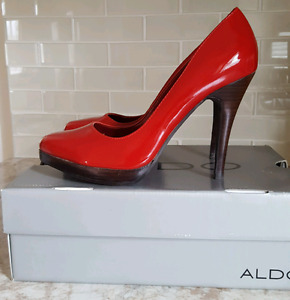 Red patent Aldo shoes size 9