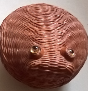 Vintage Small Handcrafted Woven Wicker Rattan Frog Trinket Box