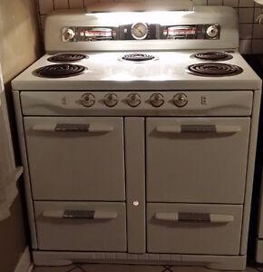 1950 Moffat Range - Stove - Oven $300 OBO
