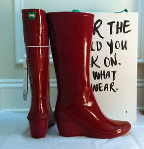 NEW women's wedge rain boots by Cougar in burgundy red SIZE 10