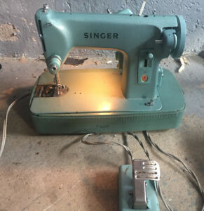 Singer Sewing Machine $90
