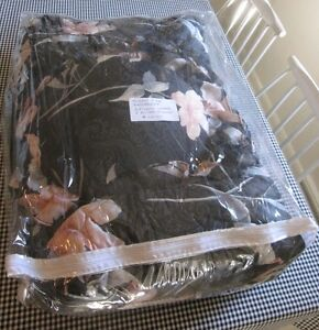 Black & Peach & Grey Queen Bedspread & Pillows