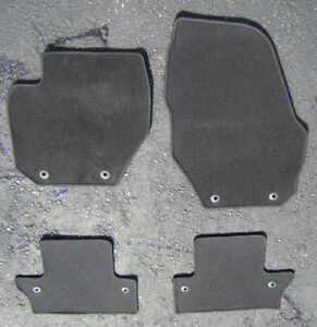 CHARCOAL CARPET MAT SET FOR 2010-18 VOLVO S60 OEM - USED $40 OBO