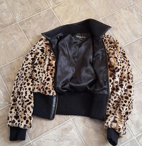Guess leopard medium jacket fits like a small