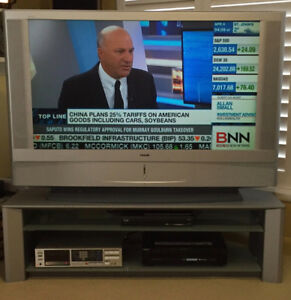 "Sony 50"" Tv and tv stand"