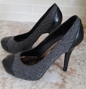 High heel two tone Le Chateau shoes size 9
