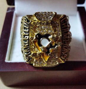 NHL Replica Championship Rings, Crosby, Team Canada & more... Kitchener / Waterloo Kitchener Area image 6