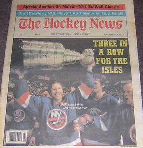 1982 HOCKEY NEWS  DENIS POTVIN  WITH STANLEY CUP