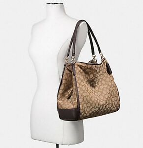 2bc8200bb372 Buy or Sell Women s Bags   Wallets in Sudbury